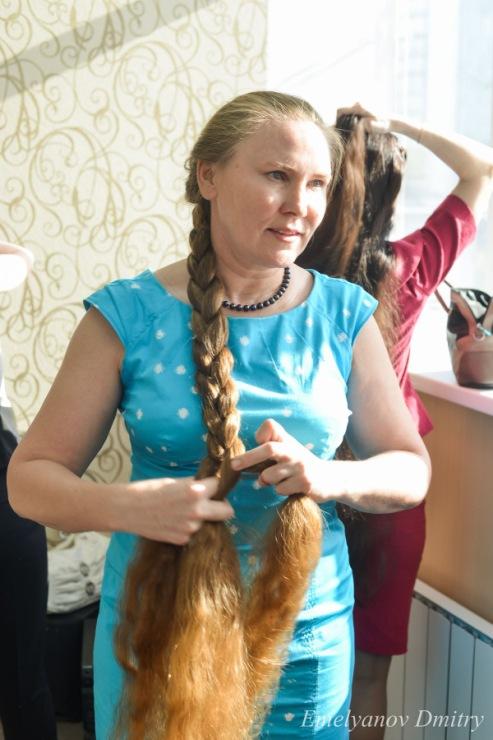 Конкурс у кого коса длиннее