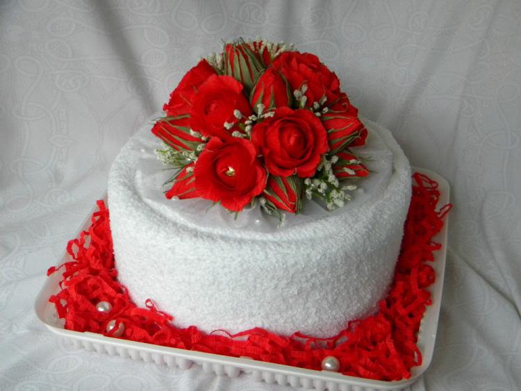 Торт из полотенцев на день рождения