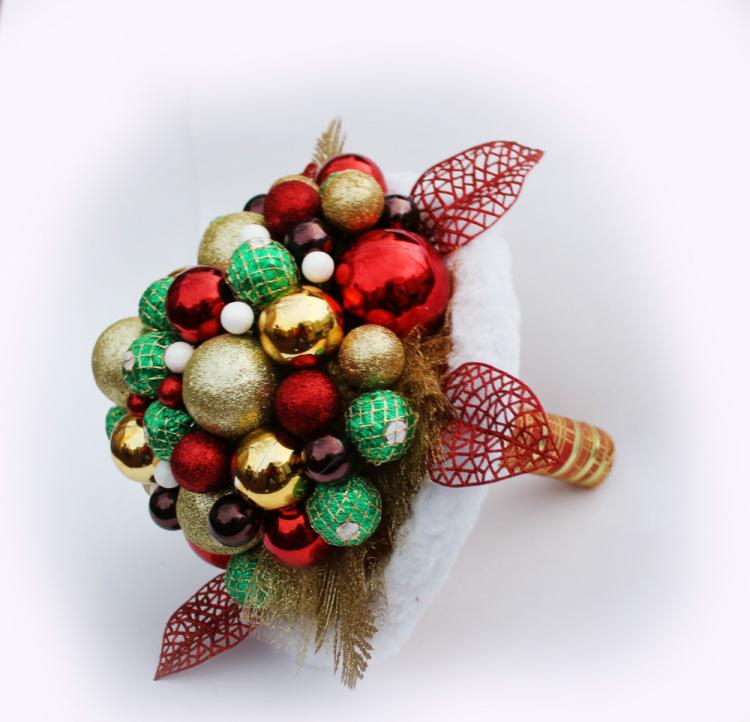 Новогодние шары из конфет своими руками 82